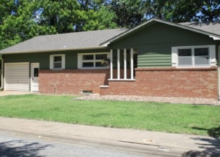 Pre Foreclosure in Hillsboro 67063 S LINCOLN ST - Property ID: 1220728287