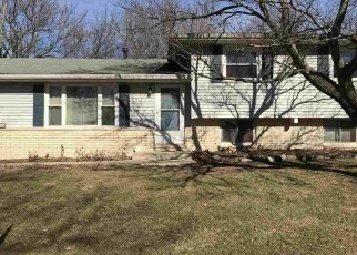 Pre Foreclosure in Morton 61550 E OAKWOOD ST - Property ID: 1220846998