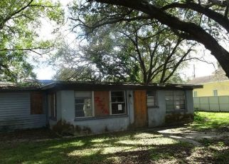 Pre Foreclosure in Tampa 33614 N HUBERT AVE - Property ID: 1222105731
