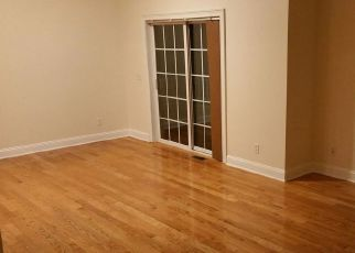 Pre Foreclosure in Fairfield 06824 DOREEN DR - Property ID: 1222328203