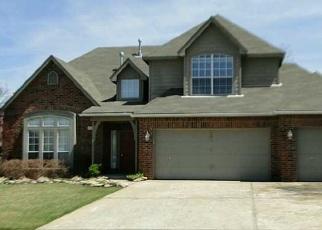 Pre Foreclosure in Broken Arrow 74012 N HEMLOCK AVE - Property ID: 1223092474