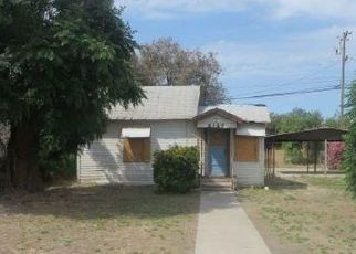 Pre Foreclosure in Selma 93662 YOUNG ST - Property ID: 1223301836