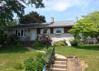 Pre Foreclosure in Reading 19606 BRUMBACH ST - Property ID: 1223618935