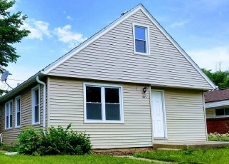 Pre Foreclosure in Milwaukee 53216 N 54TH BLVD - Property ID: 1223809440