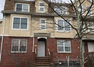 Pre Foreclosure in Bronx 10465 PATRICIA LN - Property ID: 1224061270