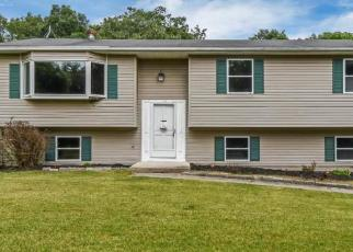 Pre Foreclosure in Wallkill 12589 PRESSLER RD - Property ID: 1224757658
