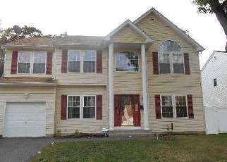 Pre Foreclosure in Amityville 11701 ROSEWOOD AVE - Property ID: 1224901305