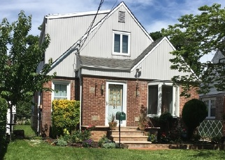 Pre Foreclosure in Valley Stream 11580 ROTTKAMP ST - Property ID: 1226200784