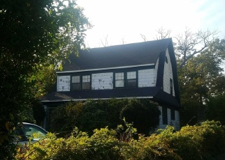 Pre Foreclosure in Bayport 11705 BAYPORT AVE - Property ID: 1227053966