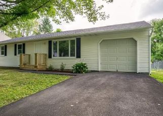 Pre Foreclosure in Clay 13041 COMO LN - Property ID: 1227382432