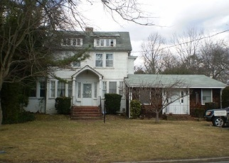 Pre Foreclosure in Babylon 11702 REID AVE - Property ID: 1227727557