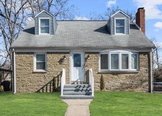 Pre Foreclosure in Trenton 08610 LAKESIDE BLVD - Property ID: 1228075300