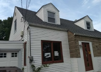 Pre Foreclosure in Valley Stream 11581 JEDWOOD PL - Property ID: 1228176929