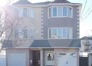Pre Foreclosure in Staten Island 10309 CHURCHILL AVE - Property ID: 1228364367
