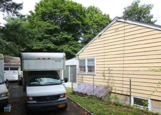 Pre Foreclosure in Ronkonkoma 11779 ROSEVALE AVE - Property ID: 1228379702
