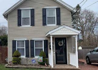 Pre Foreclosure in Islip 11751 UNION BLVD - Property ID: 1228911398