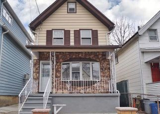 Pre Foreclosure in Staten Island 10303 SIMONSON AVE - Property ID: 1228998106