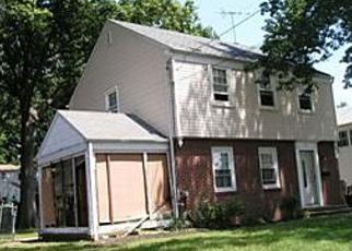 Pre Foreclosure in Westbury 11590 NEWTON ST - Property ID: 1229030532