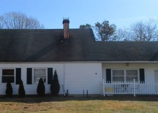 Pre Foreclosure in Medford 11763 WHITE PINE WAY - Property ID: 1229903860