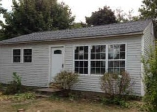 Pre Foreclosure in Blue Point 11715 BARTEAU AVE - Property ID: 1230307214