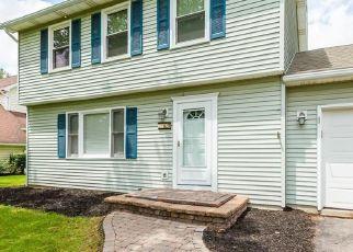 Pre Foreclosure in Farmington 14425 KING HILL DR - Property ID: 1230554687