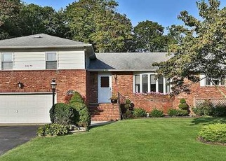 Pre Foreclosure in Blue Point 11715 WOODLAND ST - Property ID: 1231092507