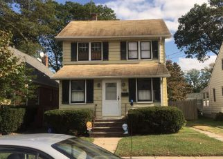 Pre Foreclosure in Valley Stream 11580 N COTTAGE ST - Property ID: 1231191493