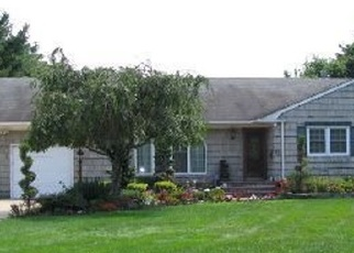 Pre Foreclosure in Blue Point 11715 MIDDLE RD - Property ID: 1232537834
