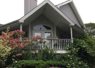 Pre Foreclosure in Huntington Station 11746 NICHOLS RD - Property ID: 1232669211
