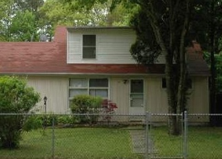 Pre Foreclosure in Shirley 11967 AUBORN AVE - Property ID: 1232696368