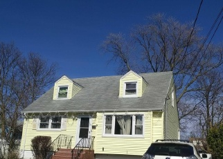 Pre Foreclosure in Freeport 11520 HALSEY ST - Property ID: 1233249987