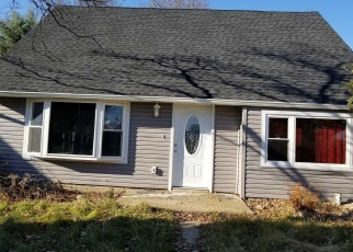 Pre Foreclosure in Hicksville 11801 DOVE ST - Property ID: 1233327944