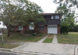 Pre Foreclosure in Massapequa 11758 MAJOR RD - Property ID: 1233354201