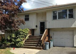 Pre Foreclosure in West Islip 11795 PARK LN - Property ID: 1233516252