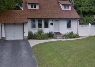 Pre Foreclosure in Brentwood 11717 CLAYWOOD DR - Property ID: 1233940660