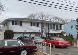Pre Foreclosure in Amityville 11701 CEDAR RD - Property ID: 1234122862
