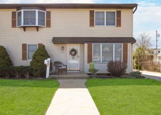 Pre Foreclosure in Franklin Square 11010 HARROW RD - Property ID: 1234456142