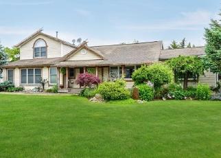 Pre Foreclosure in West Islip 11795 SECATOGUE LN W - Property ID: 1235217793