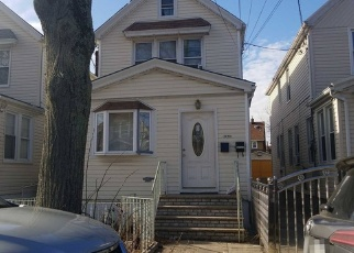 Pre Foreclosure in Hollis 11423 199TH ST - Property ID: 1235827442