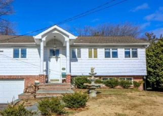 Pre Foreclosure in West Islip 11795 BAY 5TH ST - Property ID: 1236069649