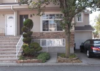 Pre Foreclosure in Staten Island 10312 LUCY LOOP - Property ID: 1236318411