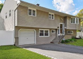 Pre Foreclosure in West Islip 11795 UDALL RD - Property ID: 1236401184