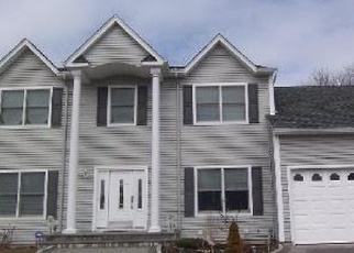 Pre Foreclosure in West Islip 11795 BELLS CT - Property ID: 1237130416