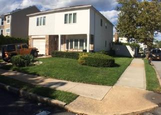 Pre Foreclosure in Staten Island 10314 VILLANOVA ST - Property ID: 1237449257