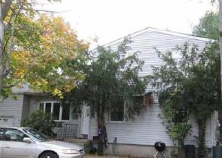 Pre Foreclosure in Brentwood 11717 LINCOLN AVE - Property ID: 1237887681