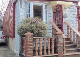 Pre Foreclosure in Maspeth 11378 59TH RD - Property ID: 1237973516