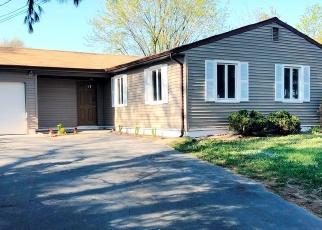 Pre Foreclosure in Massapequa 11758 QUAIL RUN - Property ID: 1238029130
