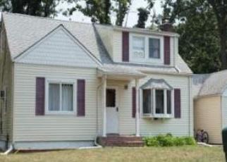 Pre Foreclosure in Centereach 11720 S WASHINGTON AVE - Property ID: 1238233681