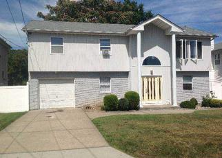 Pre Foreclosure in Uniondale 11553 CLEVELAND ST - Property ID: 1238372513