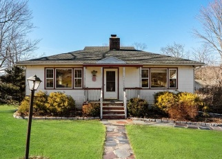 Pre Foreclosure in Carmel 10512 KITCHAWAN RD - Property ID: 1238427254
